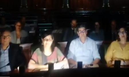 كتلة الدستوري الحر تعتصم بالبرلمان