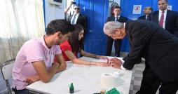سيدي بوسعيد : رئيس الجمهورية يؤدي واجبه الإنتخابي