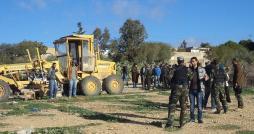 يحدث في تونس : أعوان البلدية يهدمون منزل مواطن بالخطأ